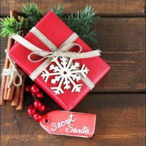 🎁 Secret Santa - Poshmark Edition!